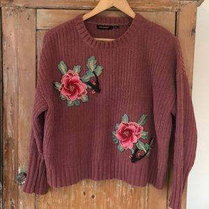 Sweaters - Cropped appliqué sweater